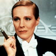 Julie-Andrews-Victor