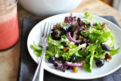 Blueberry-Pistachio-Spring-Salad