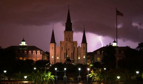 cathedral-lightning-2