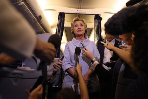 hillary-on-the-plane