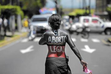 la-fg-c1-el-salvador-women-20150415